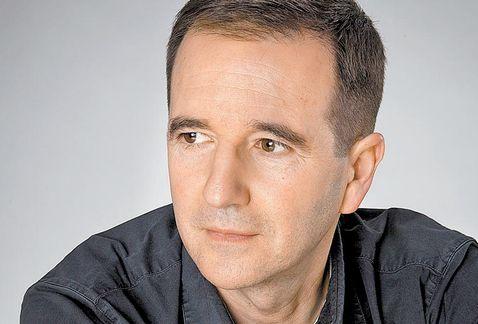La literatura sirve para darle orden al caos, dice el autor Martín Casariego