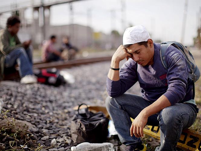 Carreras pide paciencia en tema de política migratoria