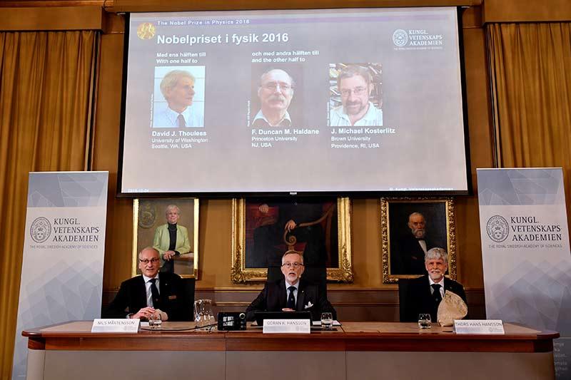 Tres británicos ganan el Nobel de Física por sus trabajos sobre la materia