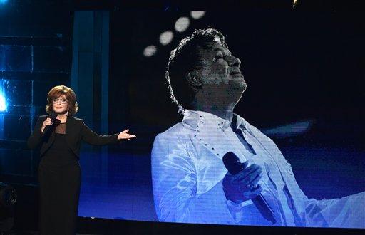 Homenaje a Juan Gabriel en los Latin American Music Awards