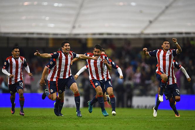 Chivas deja tendido al América y avanza al final de la Copa MX