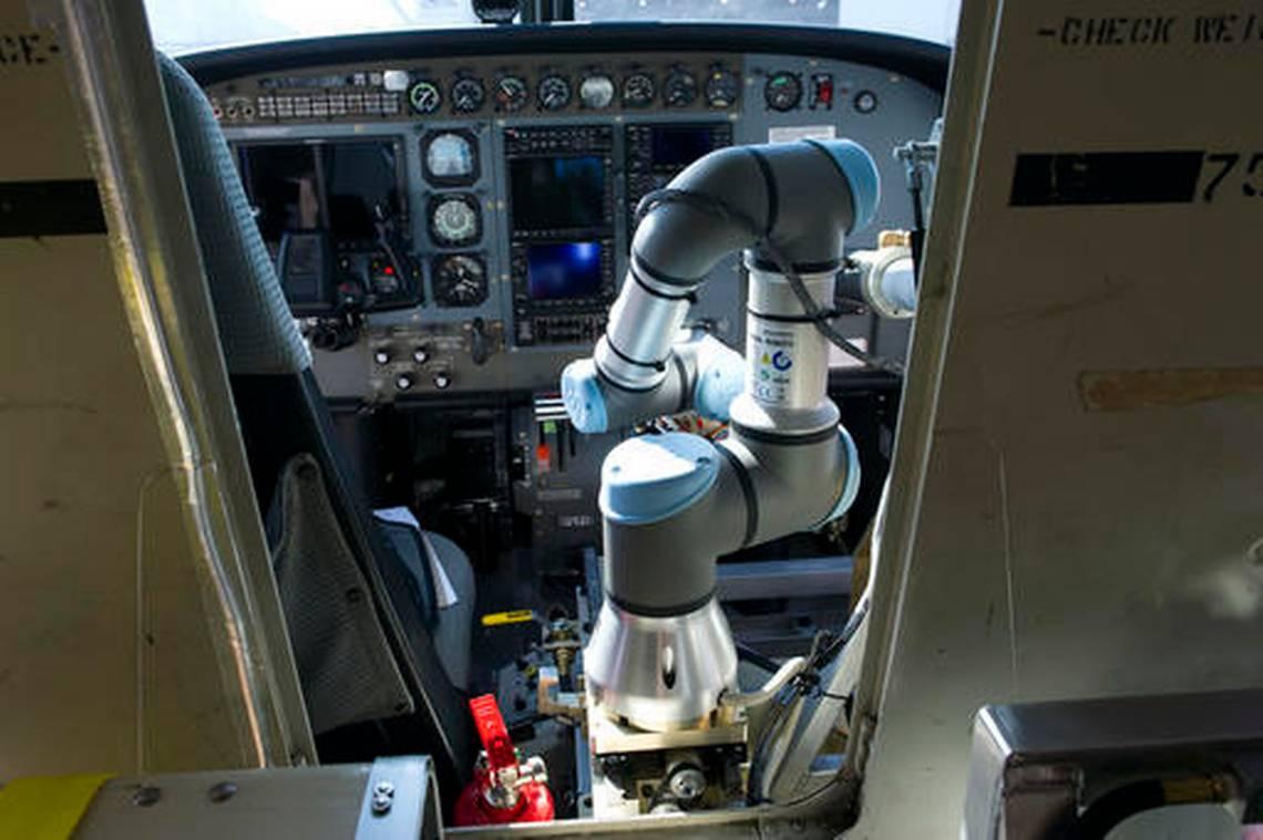 En un futuro, robots podrían pilotear aviones