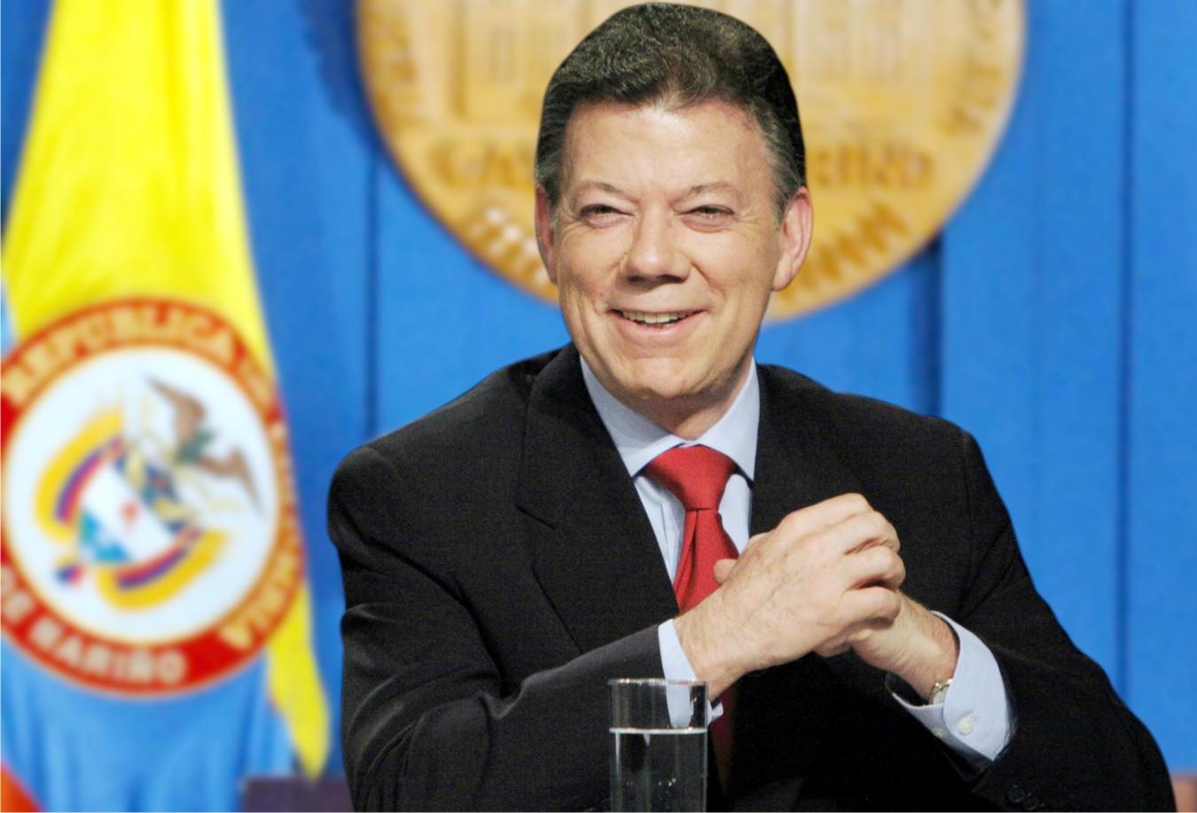 Presidente de Colombia dona premio Nobel a víctimas del conflicto