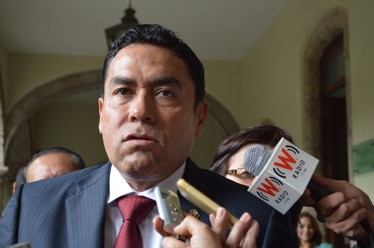 """Magistrado de Jalisco que abogó por ladrones pide licencia y dice que asesinó """"por accidente"""""""