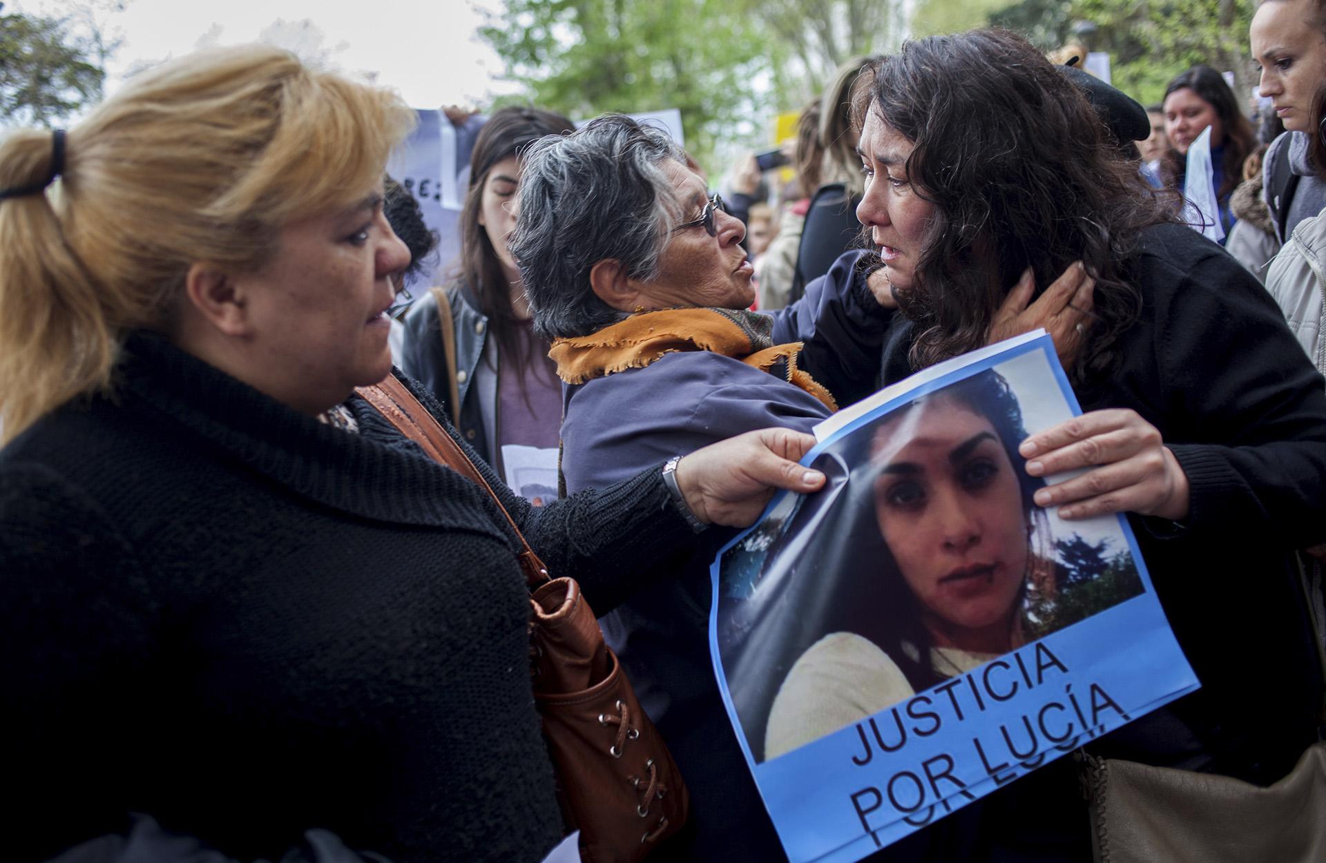 Hermano de adolescente asesinada en Argentina le dedica emotiva carta