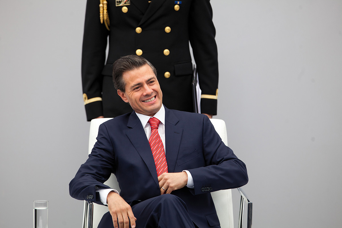 """EPN excedió en un 63% el gasto del 2016; prometió """"apretarse el cinturón"""""""