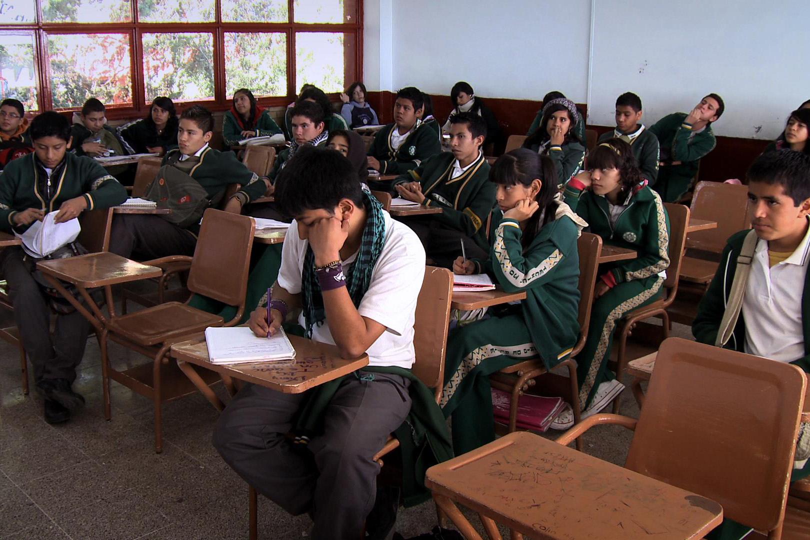 Más del 50% de los jóvenes mexicanos no termina la secundaria; es el porcentaje más elevado de la OCDE