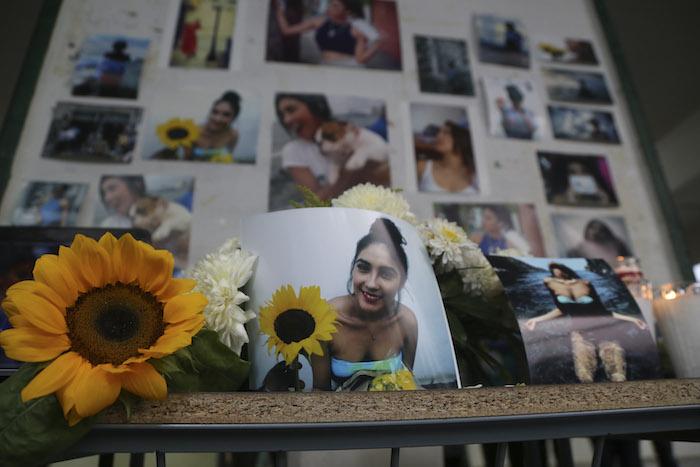 Girasoles, dolor y desconsuelo; despiden a Génesis, asesinada junto a 3 más en Veracruz