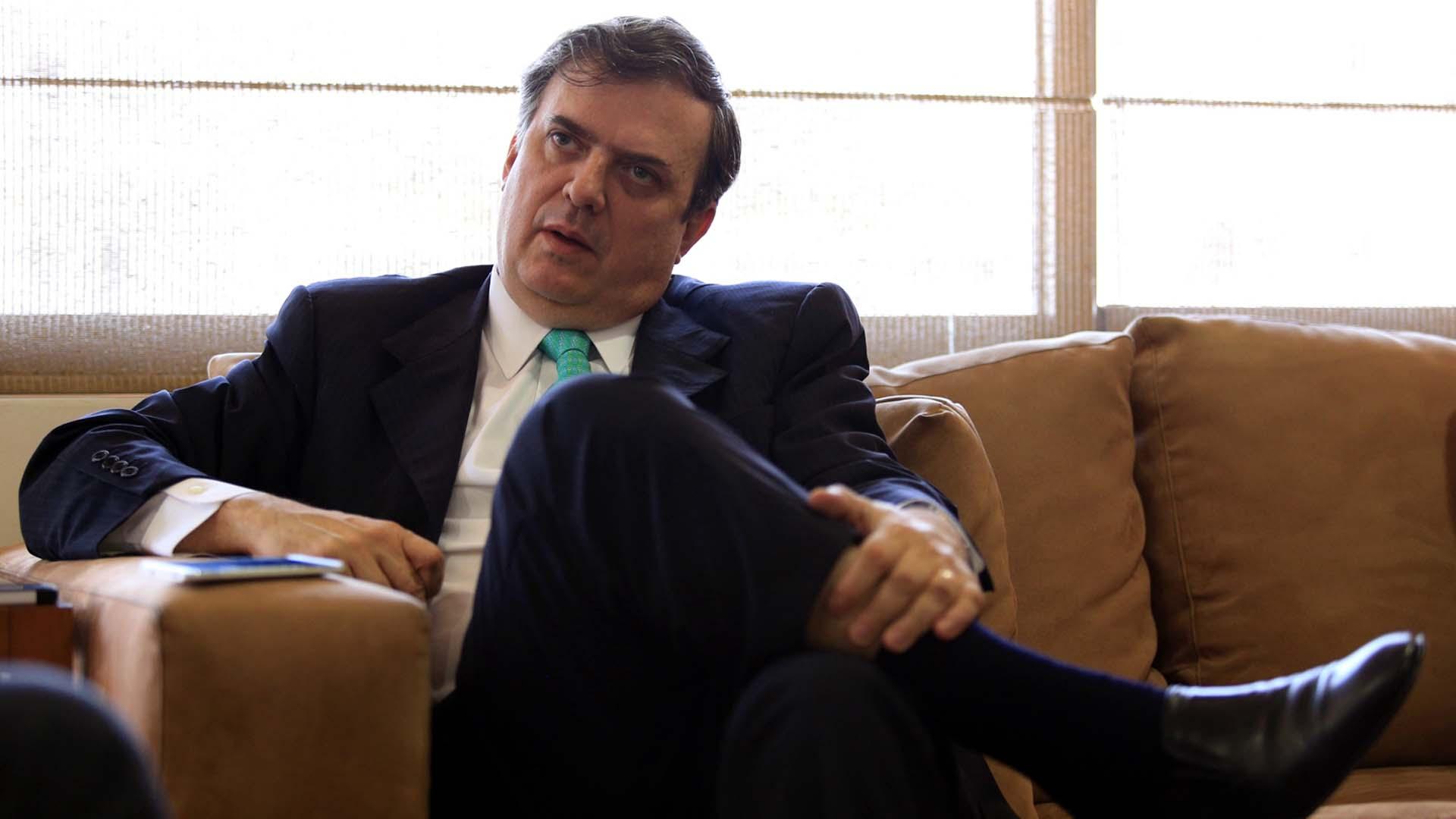 Marcelo Ebrard hace campaña para Hillary y AMLO desde Estados Unidos