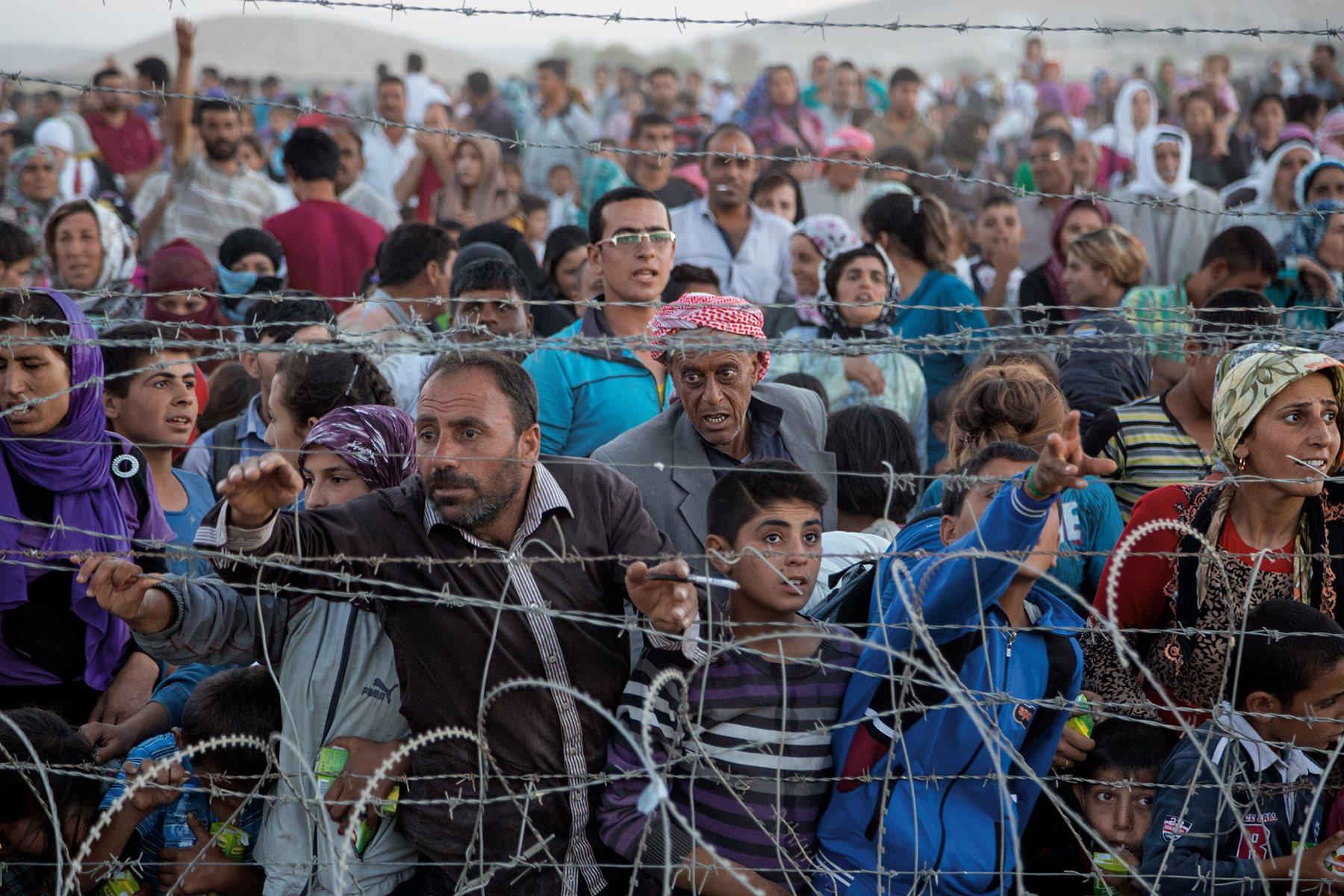 Denuncian explotación de refugiados sirios por parte de firmas internacionales de moda