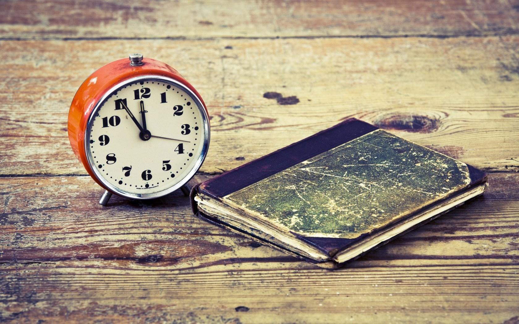 Ahora sí; atrase su reloj antes de dormir