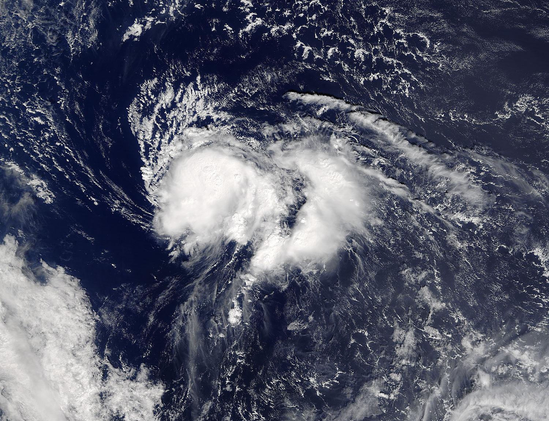 Huracán 'Nicole', con rumbo a las Bermudas