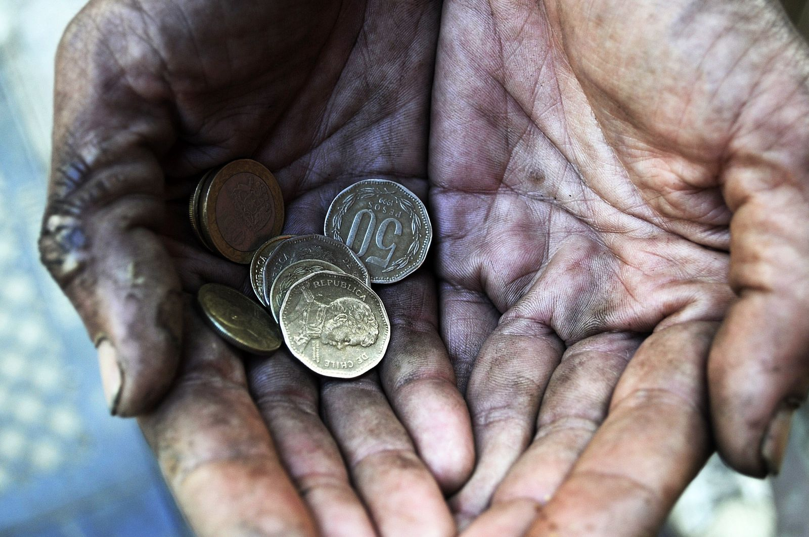 La pobreza extrema en el mundo sigue bajando, pero podría persistir en 2030
