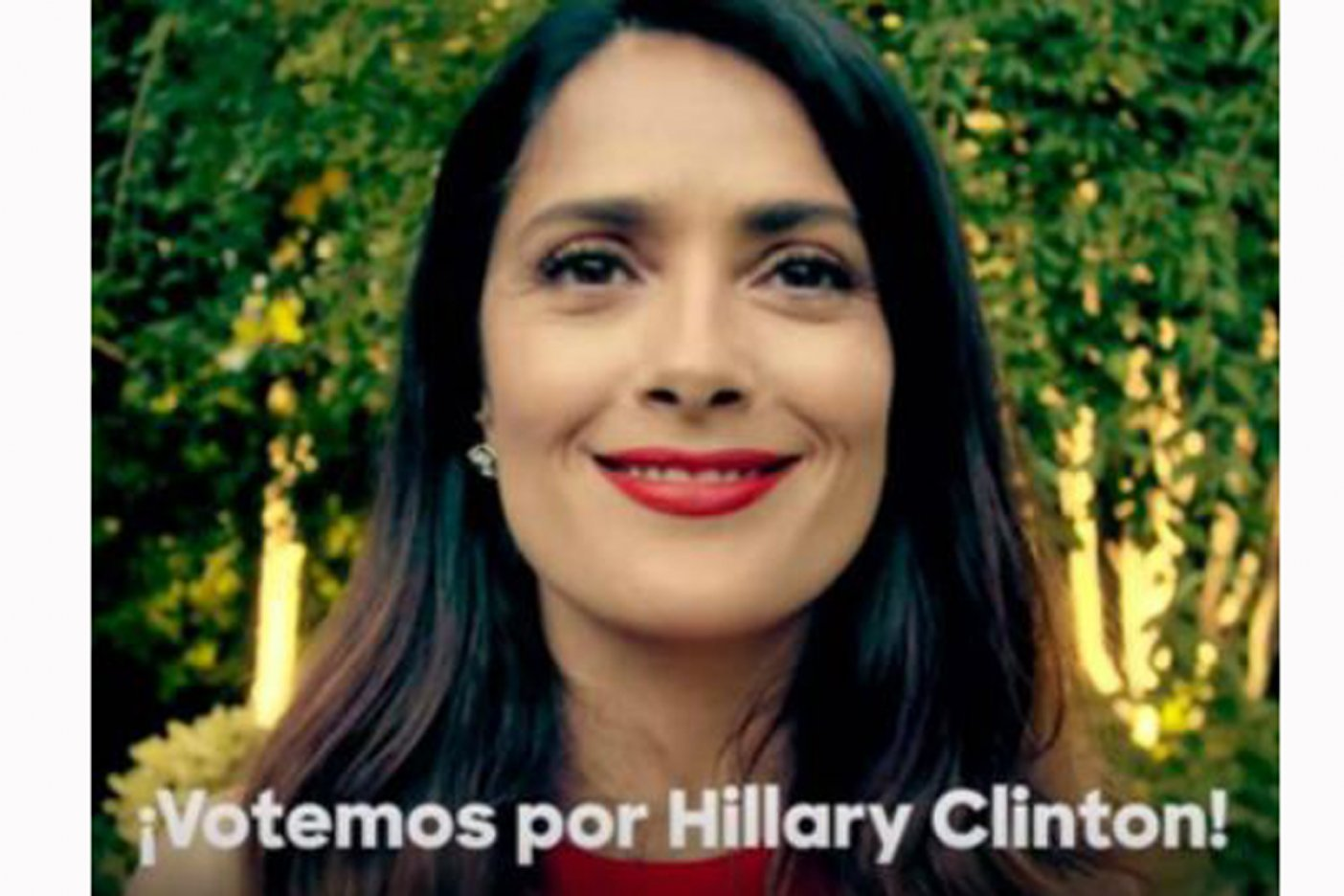 (Video) Salma Hayek protagoniza nuevo video de campaña de Hillary Clinton