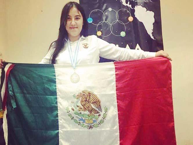 La mexicana de 16 años que tiene medalla de plata en Física