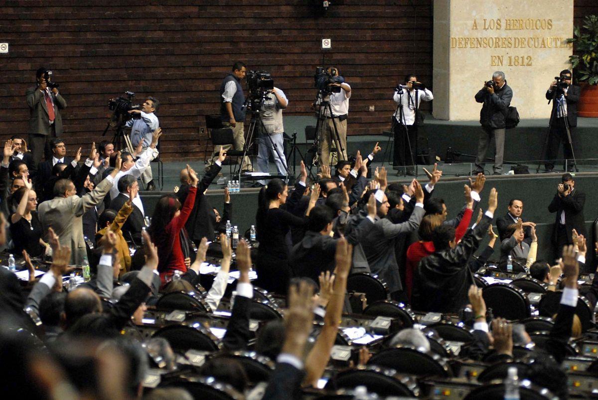 Diputados se premian por atender gente; recibirán bolsa de 33.7 mdp