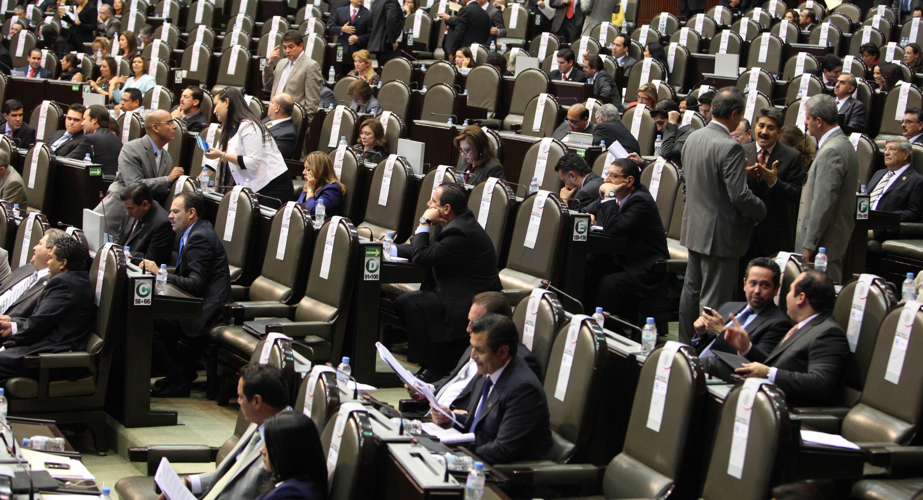 """Diputados justifican su aguinaldo 'extra': """"Es para cumplir cabalmente"""""""