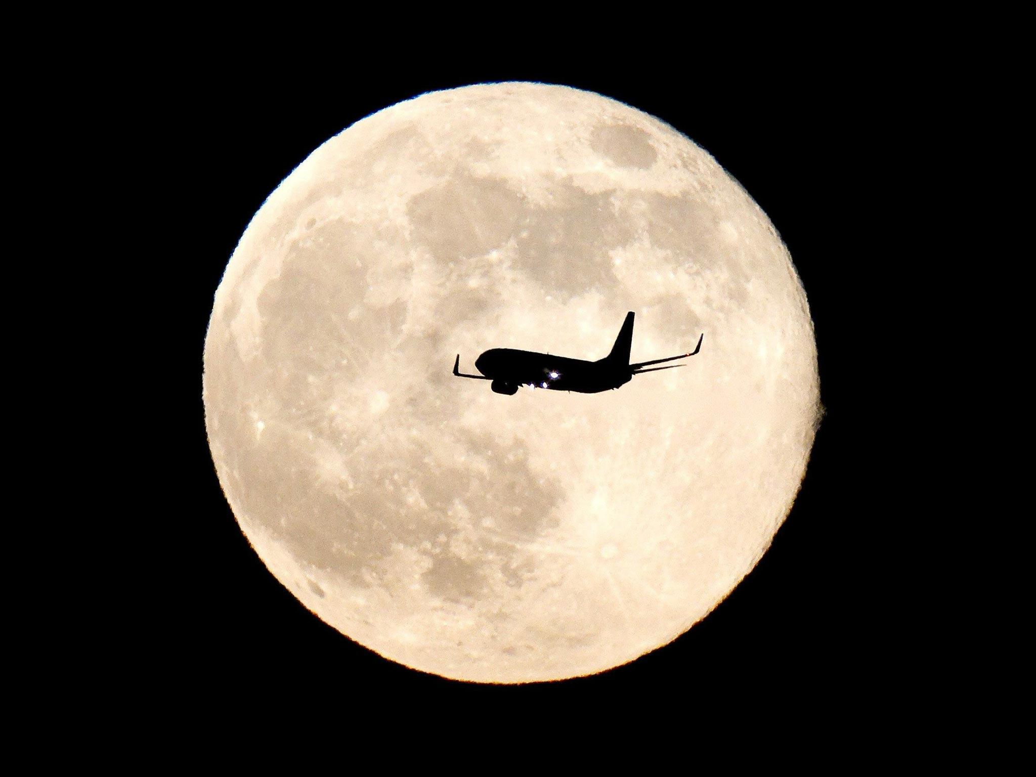 El cielo brillará con la súper luna más intensa de este siglo