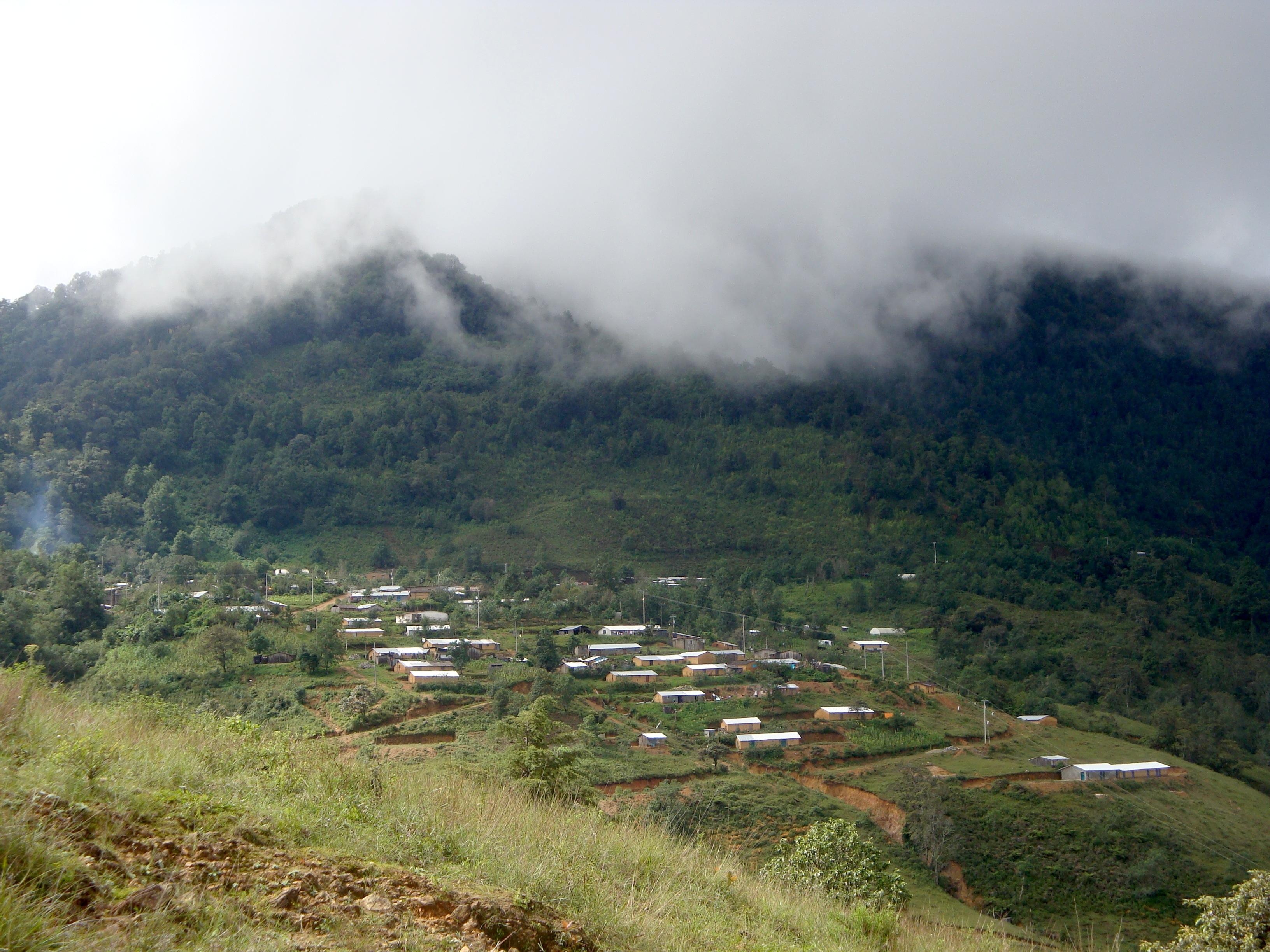Asignan 125 efectivos para buscar a familia en La Montaña de Guerrero