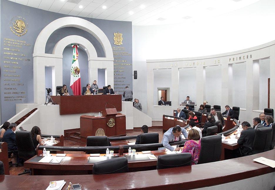 Comisiones legislativas incumplen plazo para dictaminar, pero no habrá sanción: HMP