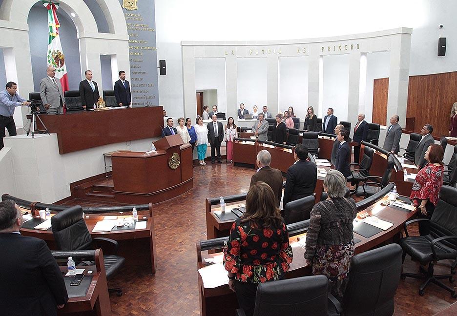 LXI Legislatura deja empolvándose 674 iniciativas y 60 juicios de responsabilidades