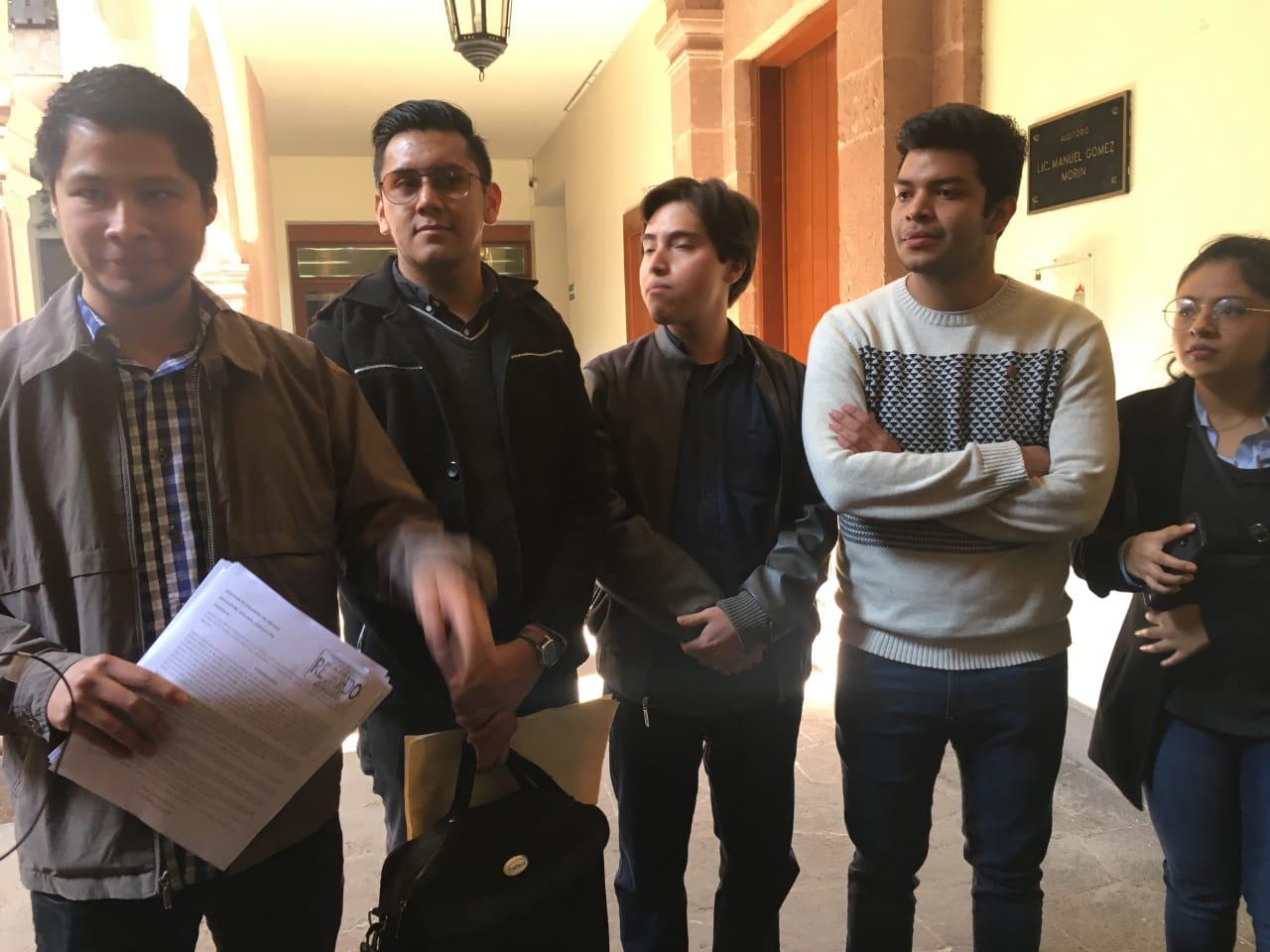 Aumento al transporte, un golpe para la ciudadanía; estudiantes piden a diputados que intervengan