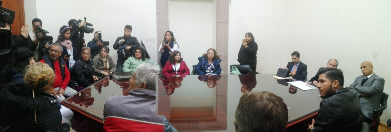 Amparo contra tarifa, sugiere Carreras a inconformes; anuncian Juicio Político contra Ramiro Robledo