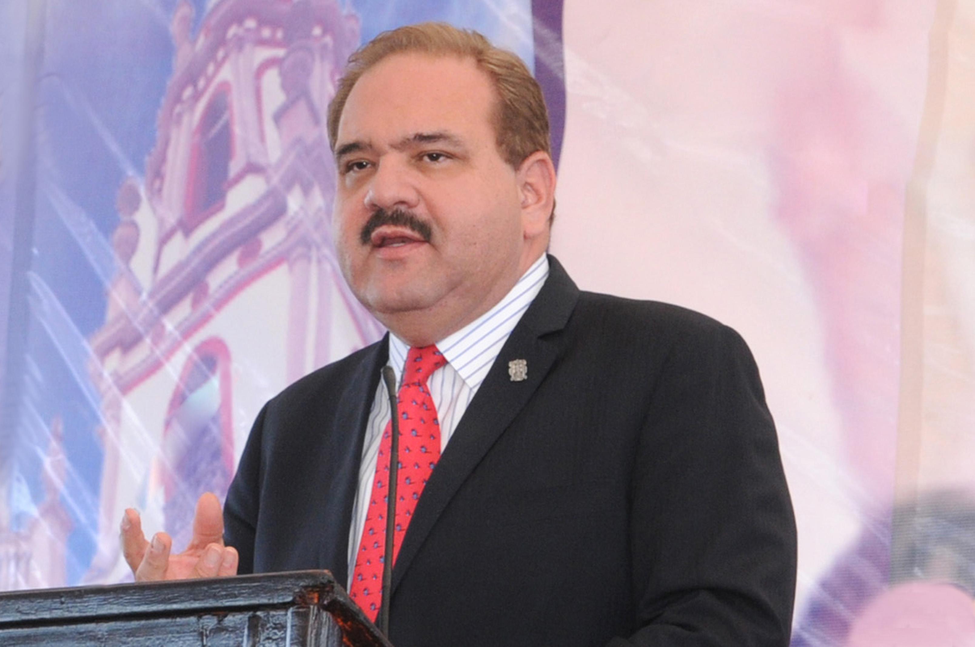 Por oficio, Carreras pidió nombramiento de Mario García en Conalep