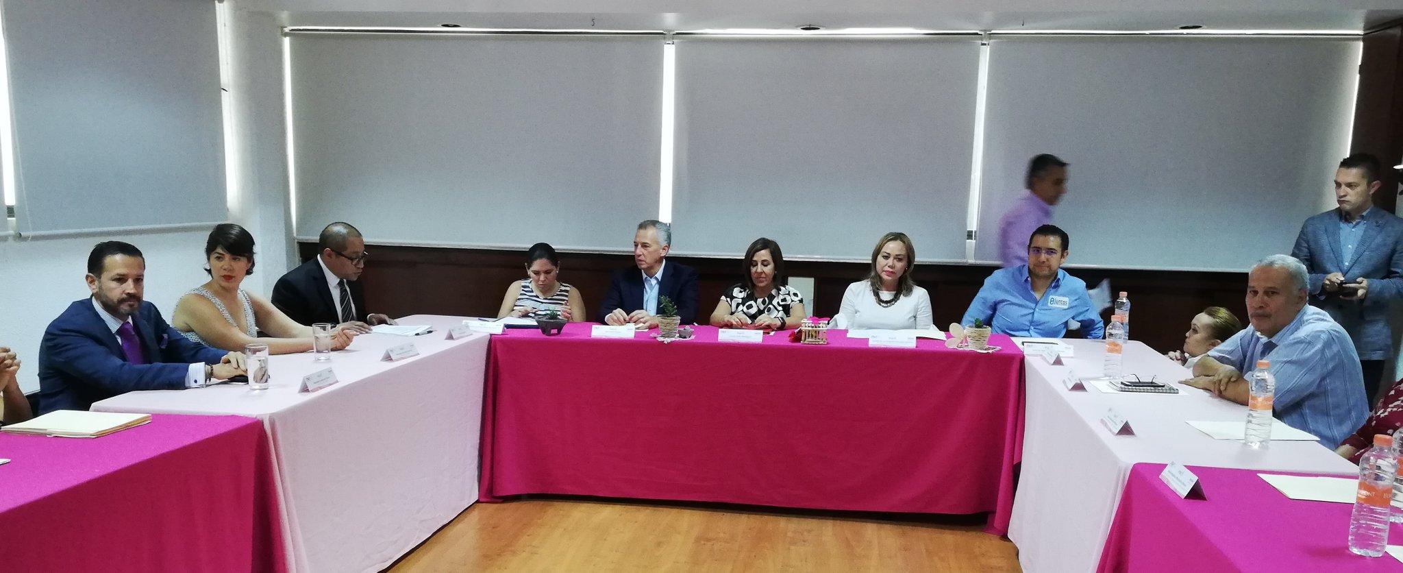 Firman convenio para socializar derecho de acceso a la información entre grupos vulnerables