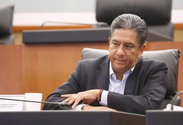 """Candidatos a integrar tribunal electoral tienen cola que les pisen"": senador"