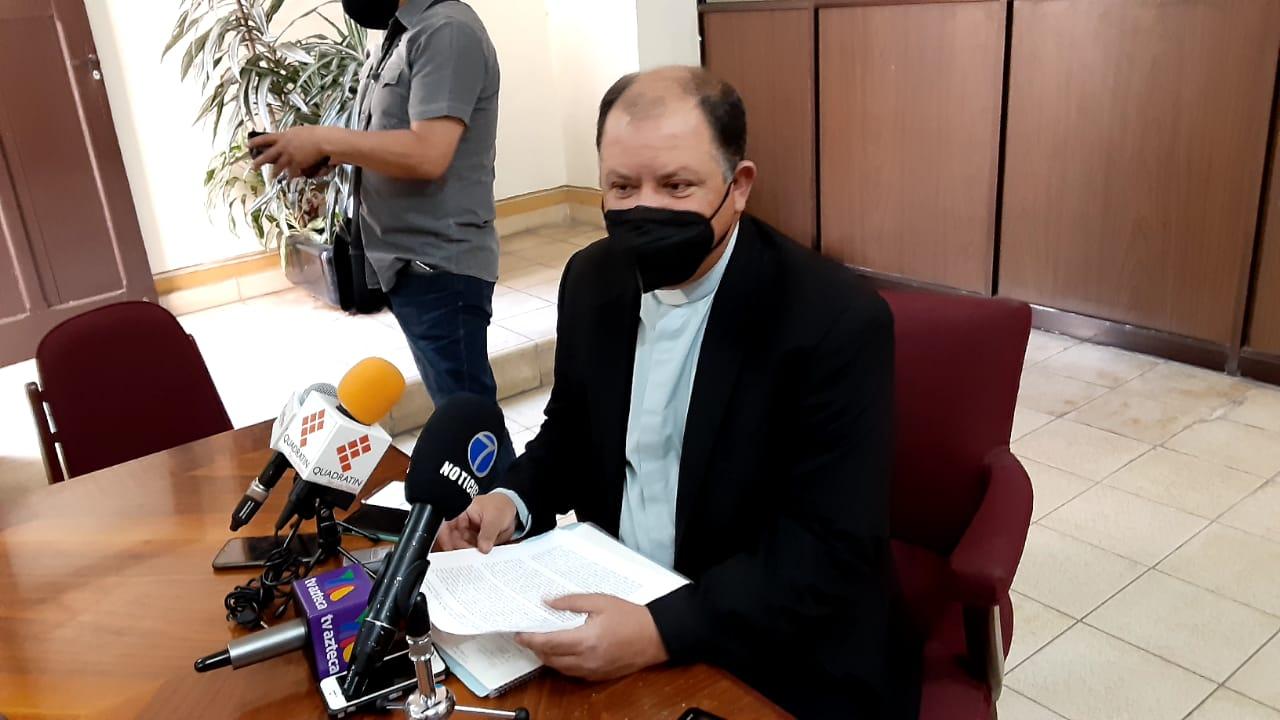 "Critica Priego Rivera ""camaleonismo"" de 'El Mijis'"