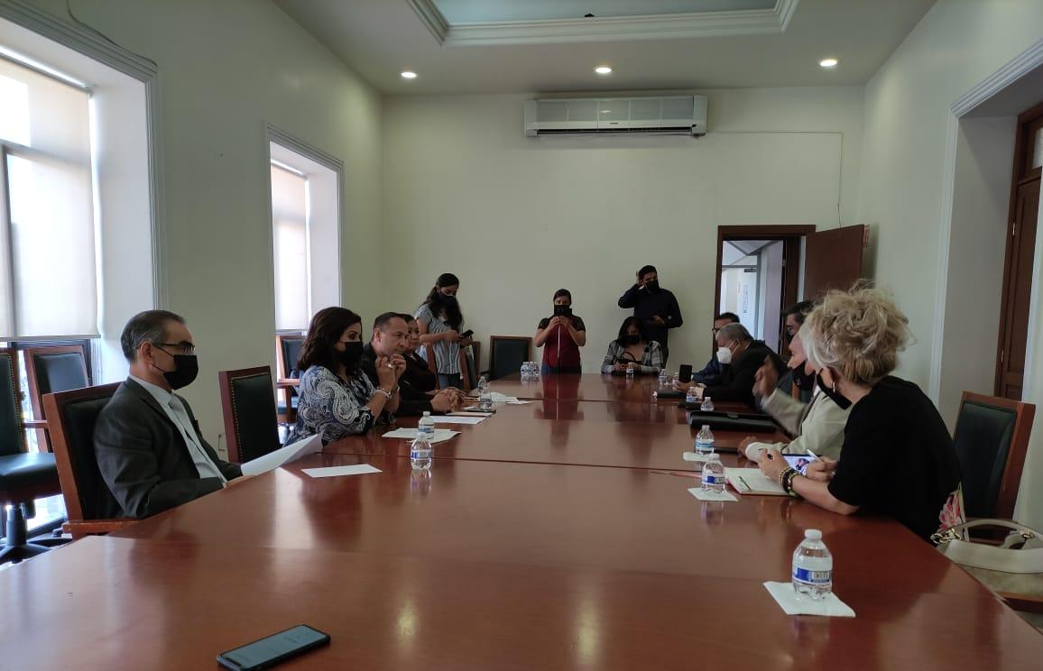 Abogados piden a diputados rechazar ternas propuestas por Carreras para elección de magistrados