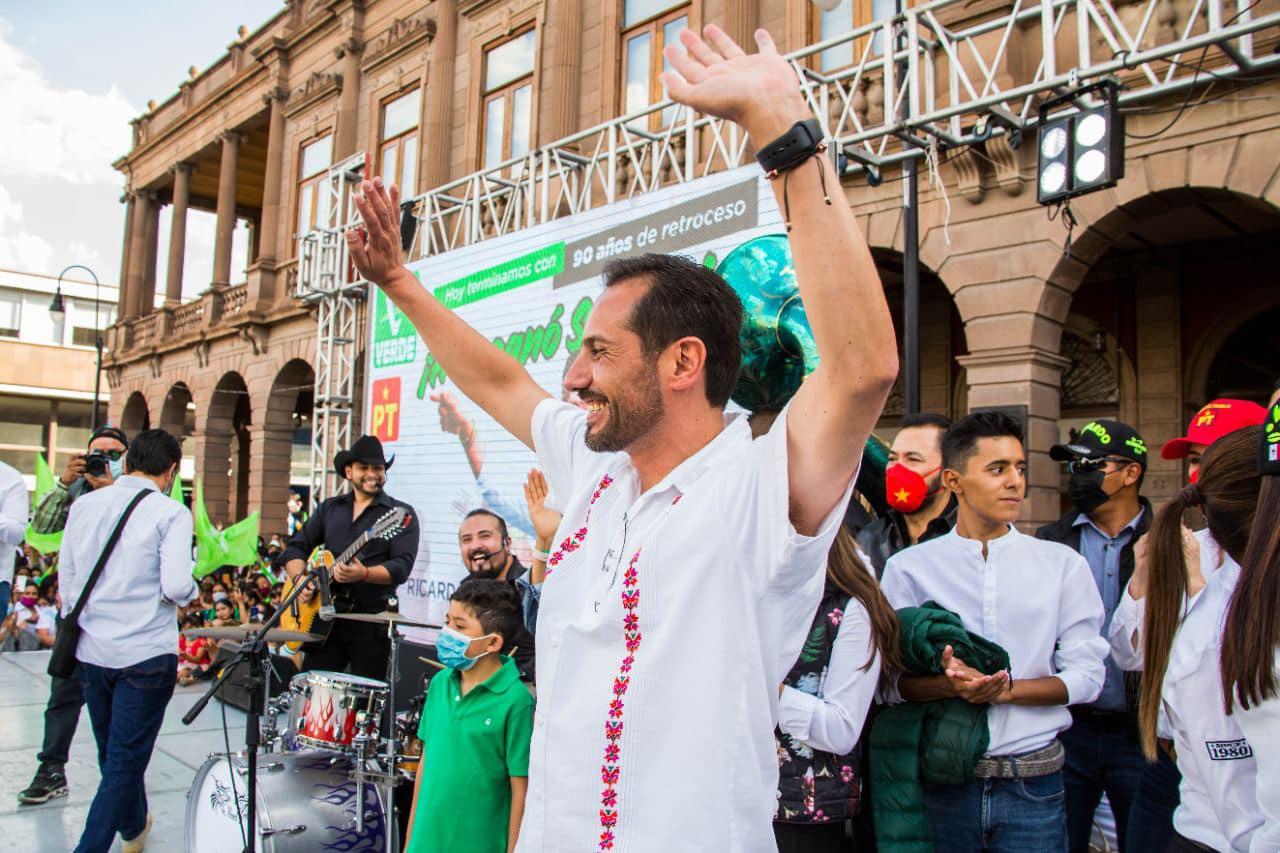 Otra demanda por violencia política en razón de género contra Leonel Serrato