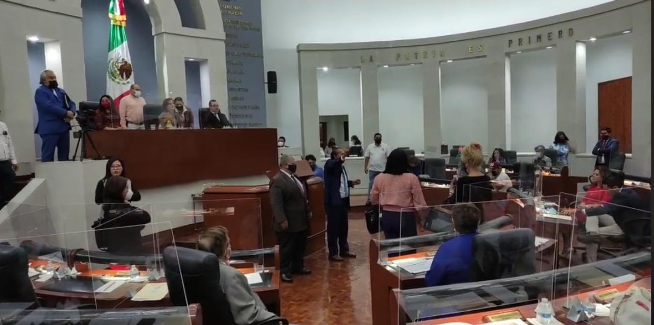 Abogados tomaron la Tribuna del Congreso  ante elección de magistrados del STJE