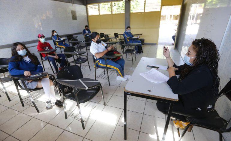 Se multiplican los contagios entre comunidad escolar